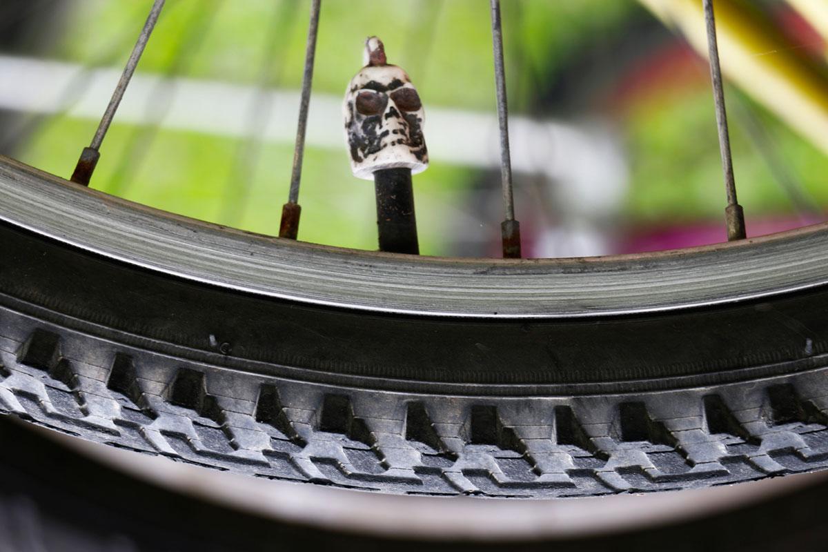 fausto-fernandez-photo-serie-(i)mobilidade-caveira